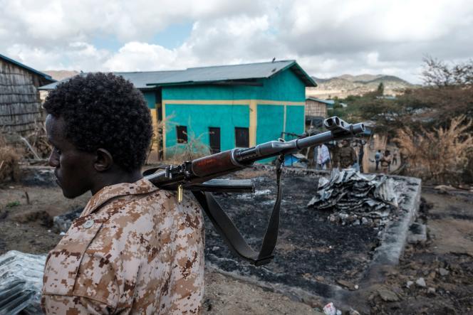 Un membre des forces spéciales afar, dans le village de Bisober, dans la région du Tigré,en Ethiopie,le 9 décembre 2020.